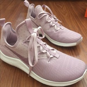 Nike free rose lilac color tr 8 size 7 NWT